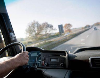 Gesetzliche Regelungen für LKW-Fahrer – was gehört alles zur Arbeitszeit?