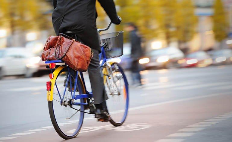 Auch bei einer besonderen Gefahrenlage darf nur dann eine Radwegebenutzungspflicht angeordnet werden, wenn der Radweg ausreichend sicher ist.