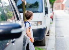 Das Gebot der gegenseitigen Rücksichtnahme grenzt das allgemeine Vorrecht der Fußgänger ein.