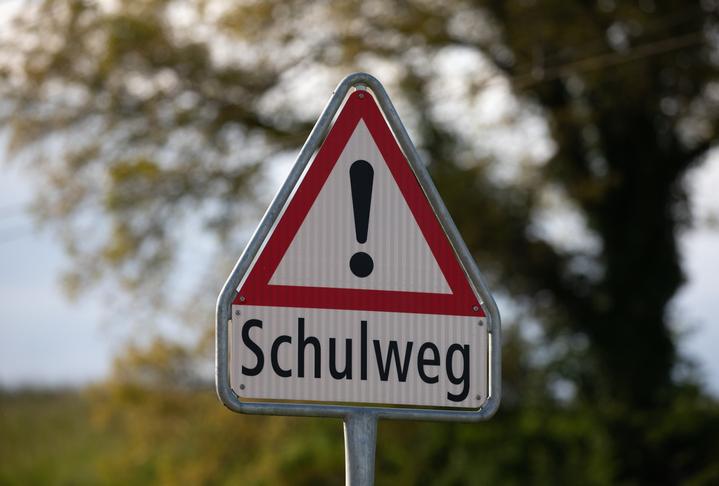 Verhalten im Straßenverkehr Lexika Lexika Verlag lexika.de